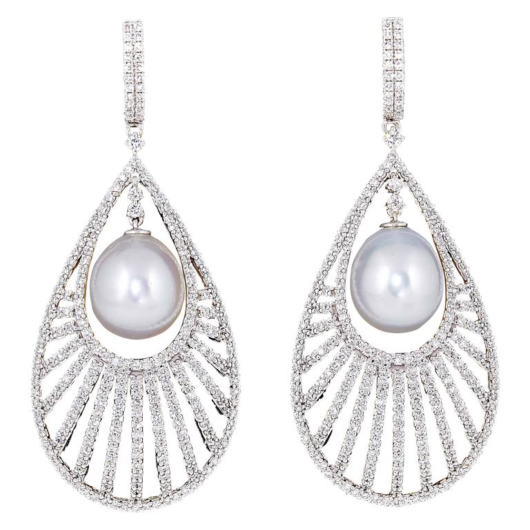 Diamond Scene Pearl Diamond Gold Fashion Earrings 1