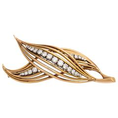1950s Elegant Diamond Gold Double Leaf Pin