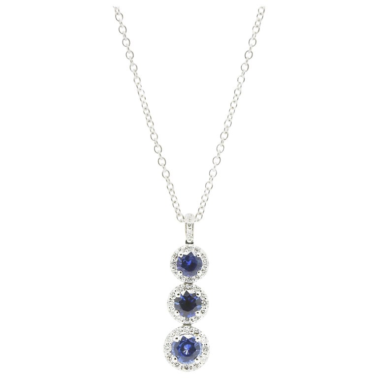 1.24 carat Sapphire and0.40 carat white diamonds 18k white Gold Triple Pendant For Sale