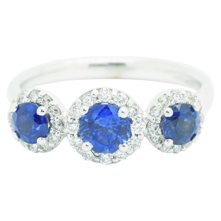 1.26ct Blue Sapphire 0.36ct white Diamond 18k white Gold Ring For Sale