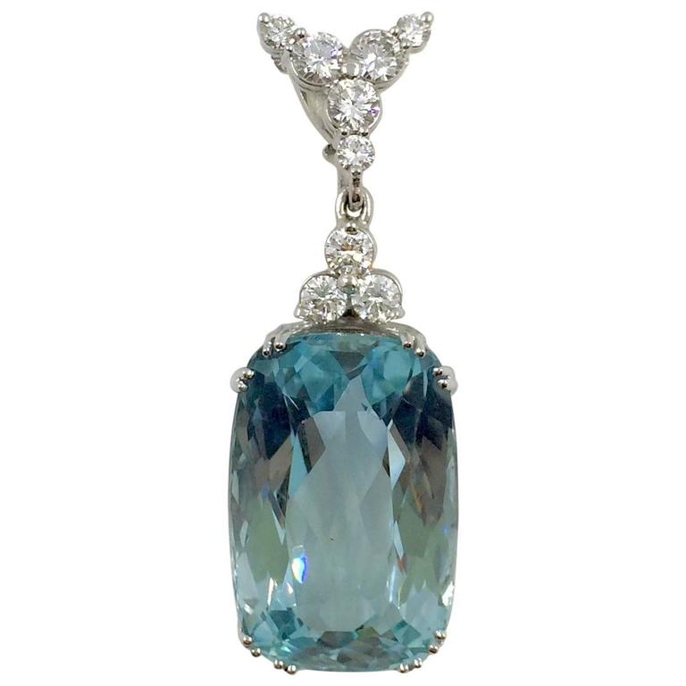 3259 carat santa maria aquamarine diamond pendant for sale at 1stdibs 3259 carat santa maria aquamarine diamond pendant for sale aloadofball Image collections