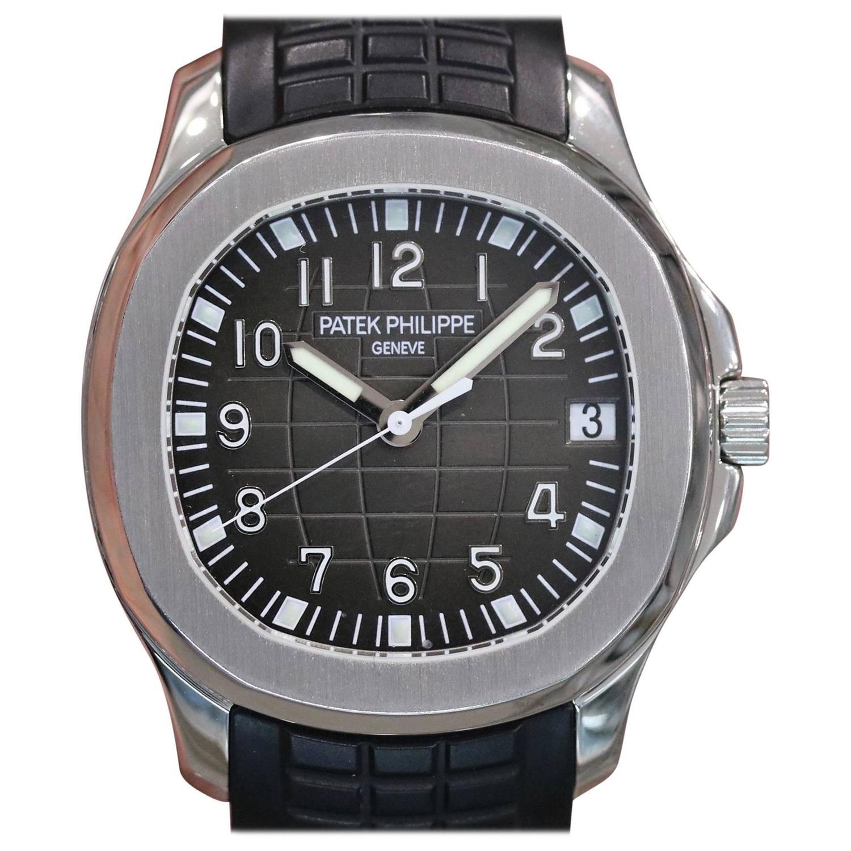 Patek Philippe Stainless Steel Aquanaut Automatic Wristwatch Ref