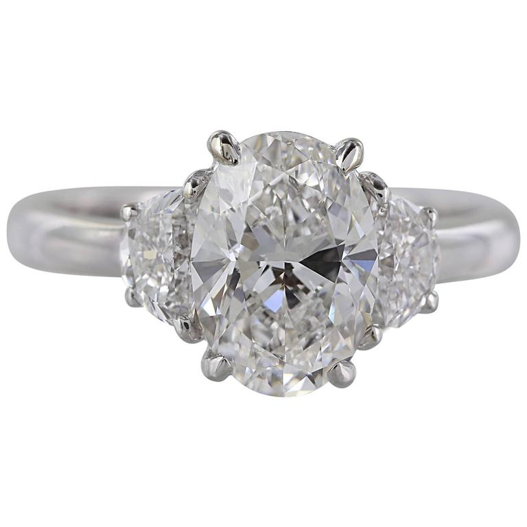 2.01 Carat G/SI2 GIA Oval Diamond Ring For Sale