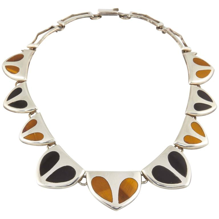 1970s Inlaid Tiger's Eye With Inlaid Onyx Cleopatra Sterling Silver Necklace