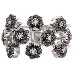 1970s Black and White Diamond Gold Floral Ring