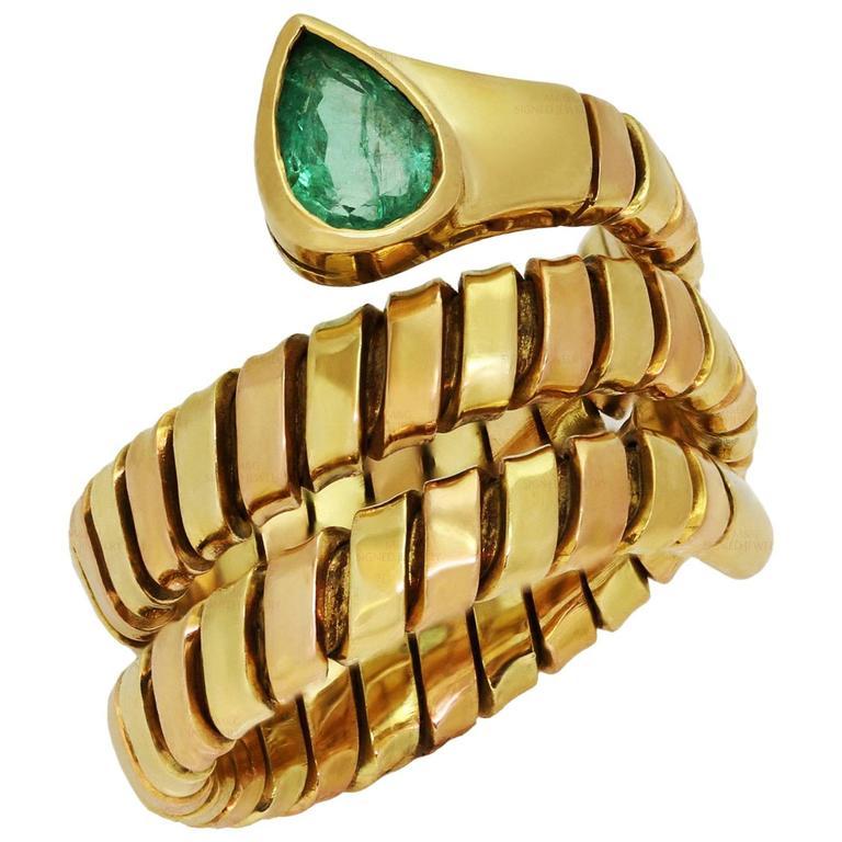 1980s Bulgari Tubogas Emerald Gold Ring