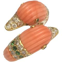 1980s Van Cleef & Arpels Coral Emerald Diamond Gold Ring