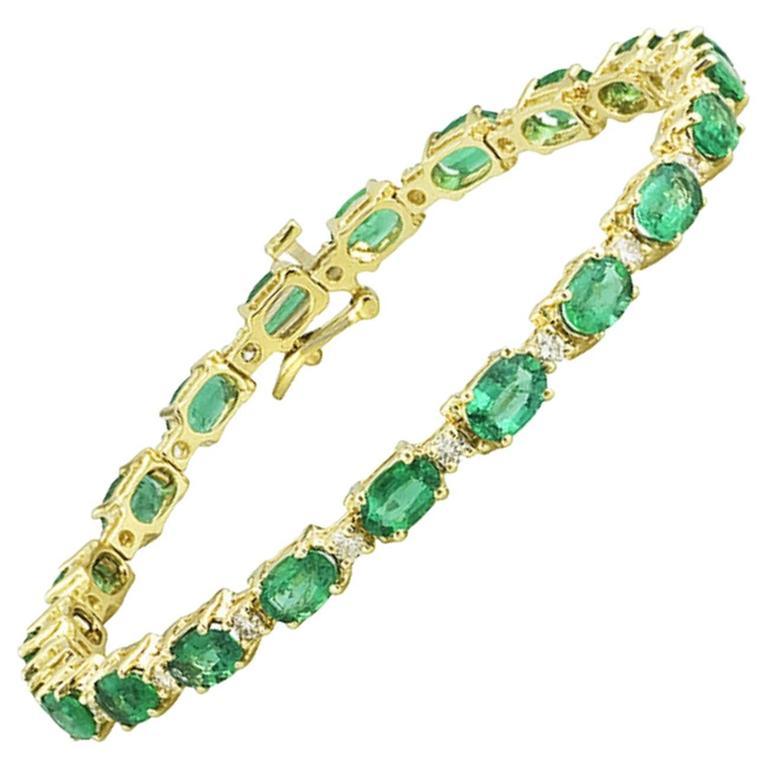 Oval Emerald and Diamond Patterned Gold Bracelet