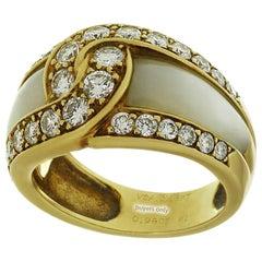 Van Cleef & Arpels Mother of Pearl Diamond Gold Ring