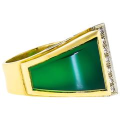Exquisite Retro Chrysoprase Diamond and 18K Yellow Gold Abstract Ring