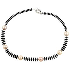 Gemjunky Gorgeous Inspired Elegant Natural Black Onyx & Peachy Pearl Necklace