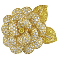 Van Cleef & Arpels Diamond Gold Flower Brooch