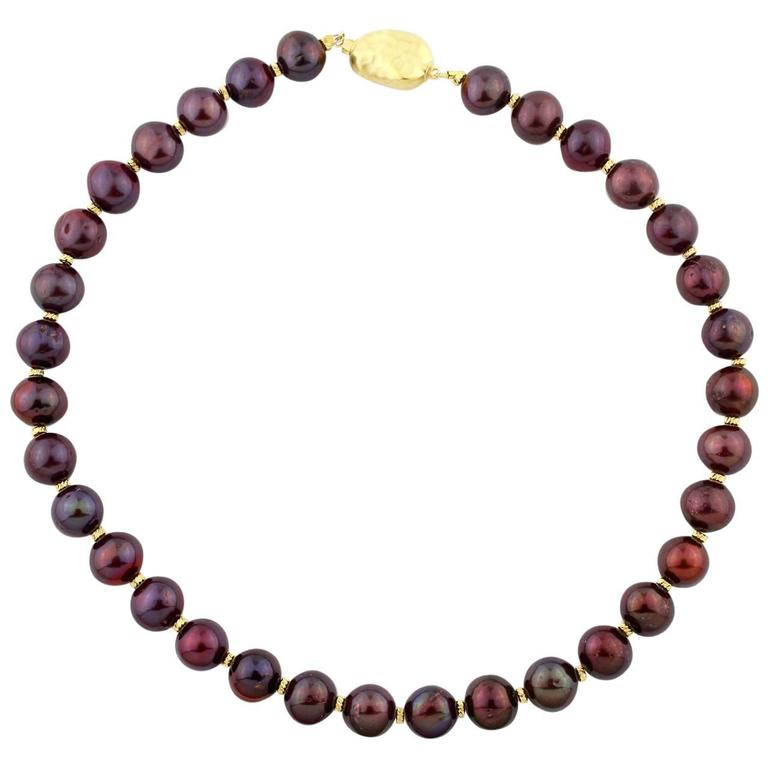 Chocolaty Wine-colored Pearl Necklace For Sale
