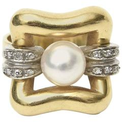 Italian Modernist Pearl Diamond Gold Ring