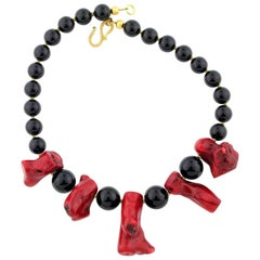 Gemjunky Elegant Artistic Handmade Red Bamboo Coral & Black Onyx Necklace