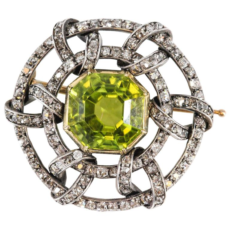 Carl Faberge Peridot Diamond Gold Brooch 1