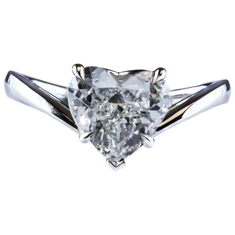 GIA Certified 2.00 Carat Heart-Shape Diamond Platinum Solitaire Engagement Ring For Sale