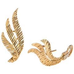 Van Cleef & Arpels leaf motif Gold Earrings