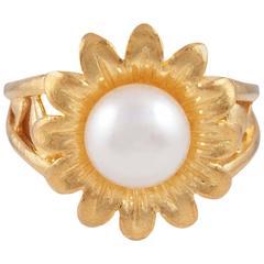 22 karat yellow gold pearl ring