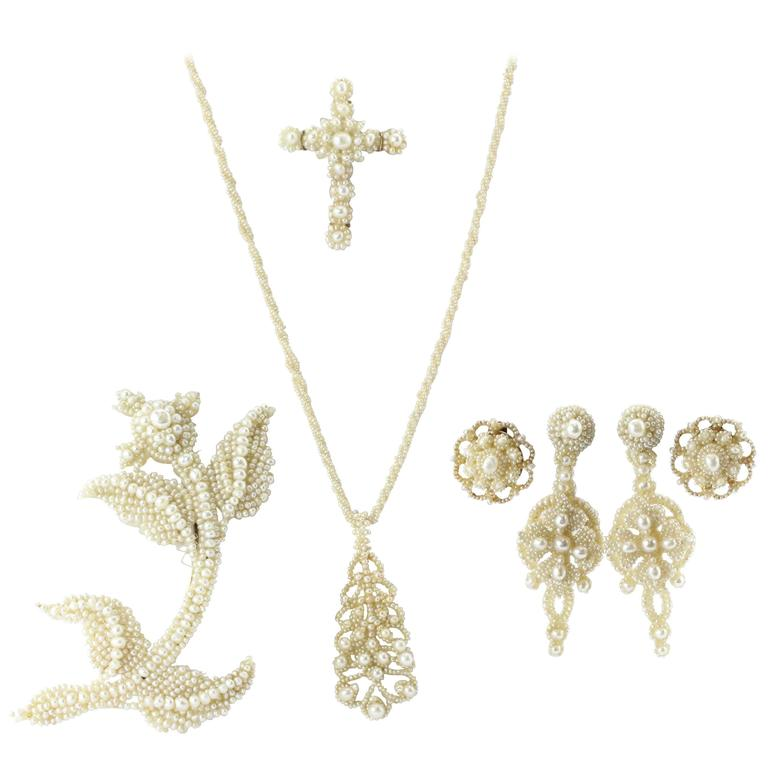Circa 1854 Georgian Seed Pearl Parure Necklace, Earring & Brooch For Sale