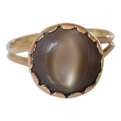 Victorian Cats Eye Mother of Pearl Gold ring