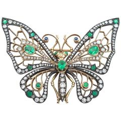 Splendid Emerald Diamond Butterfly Brooch