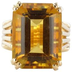 French 1970s Yellow Gold and Citrine Ring