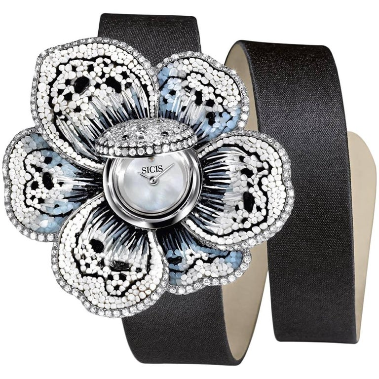 Stylish Wristwatch White & Black Diamond White Gold Quartz Movement For Sale