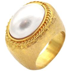 Mabe Pearl Hammered Gold Cocktail Ring