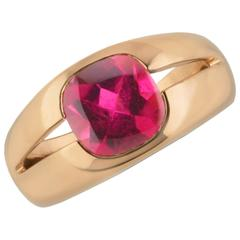 Tiffany & Co. 2.30 Carat Pink Tourmaline Gold Cocktail Ring