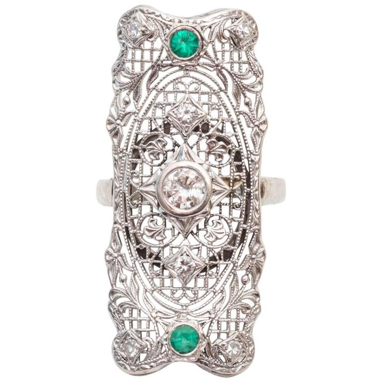 1940s Diamond and Emerald Filigree Shield Ring For Sale