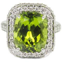 9.54 Carat Peridot Diamond Gold Statement Ring
