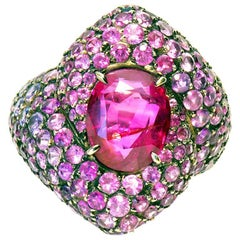 3,58 Carats Pink Ruby Ring Set With 5,94 carats Pink and Purple Sapphires Pavage