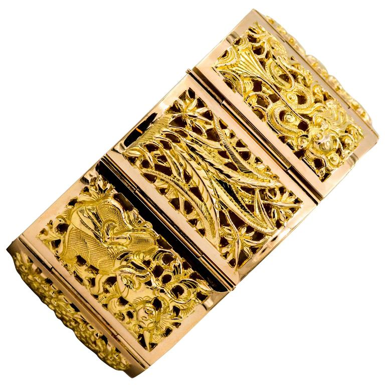 Japanese Four Seasons Panel Yellow Gold Bracelet For Sale ...