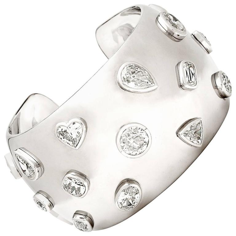 William Goldberg Diamonds Amazing 27.93 Carats Diamond Cuff Bracelet For Sale