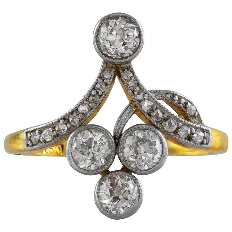 Antique 0.78 Carat Diamond Gold Ring For Sale