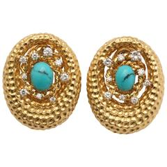 1960s Chic Oval Shaped Turquoise with Diamonds Gold Crater Design Earclips