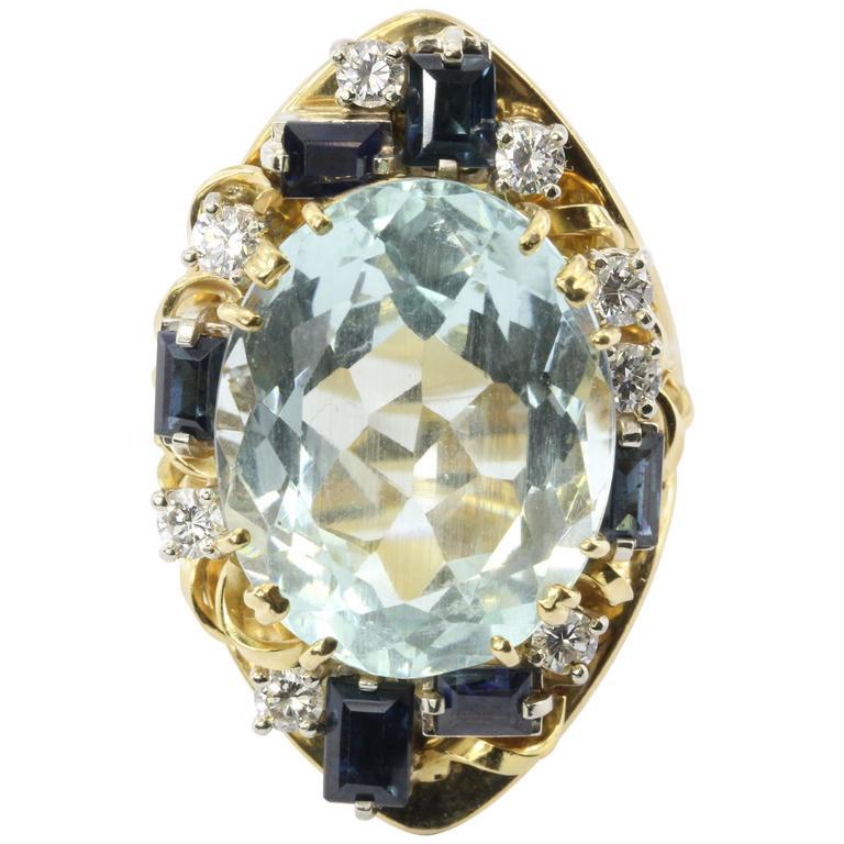 Retro 18 Karat Gold Natural 17 Carat Aquamarine Shire Diamond Tail Ring For