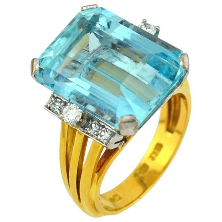 1960s Aquamarine Diamond Gold Cocktail Ring For Sale