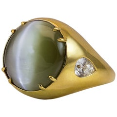 Very Rare 28.30 Carat Cat's Eye Chrysoberyl Diamond Gold Ring