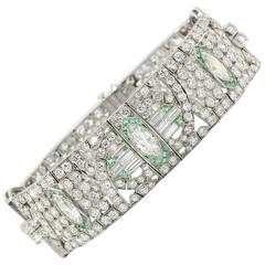Art Deco Platinum 21 Carat Diamond Emerald Bracelet, circa 1920