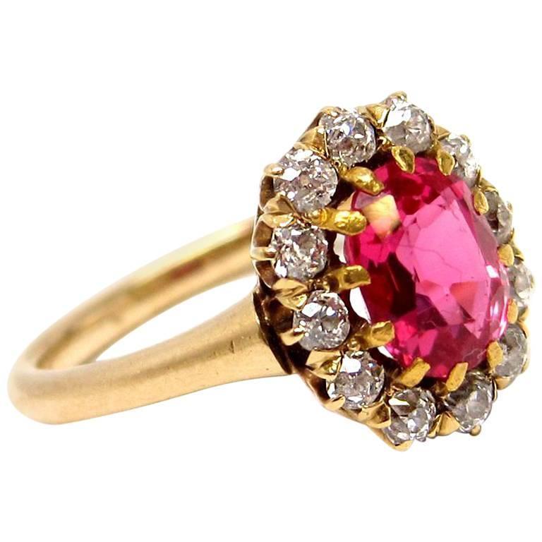 1.5 Carat Spinel and Diamond 18 Karat Yellow Gold Ring