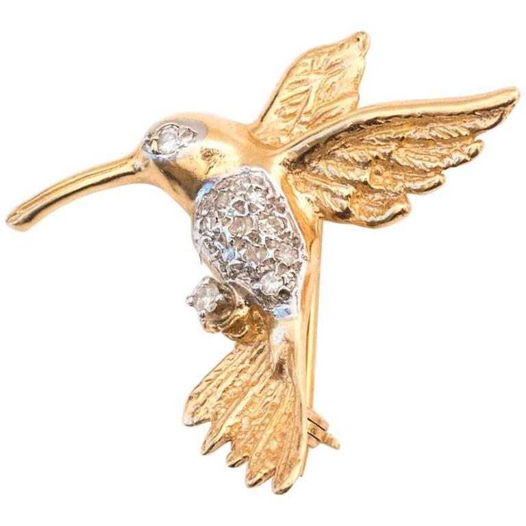 1950s Hummingbird Pin in 14 Karat Gold and Diamonds For Sale
