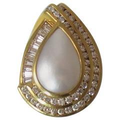 Fabulous 18 Karat Yellow Gold Diamond and Mabe Pearl Ring