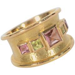 Elizabeth Locke Tourmaline and Peridot Gold Band Ring