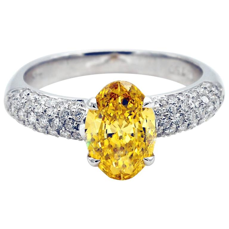 Fancy Vivid Yellow 1.37 Carat Diamond White Gold Engagement Ring