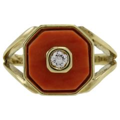 Diamond Coral 18 kt Gold Signet Ring