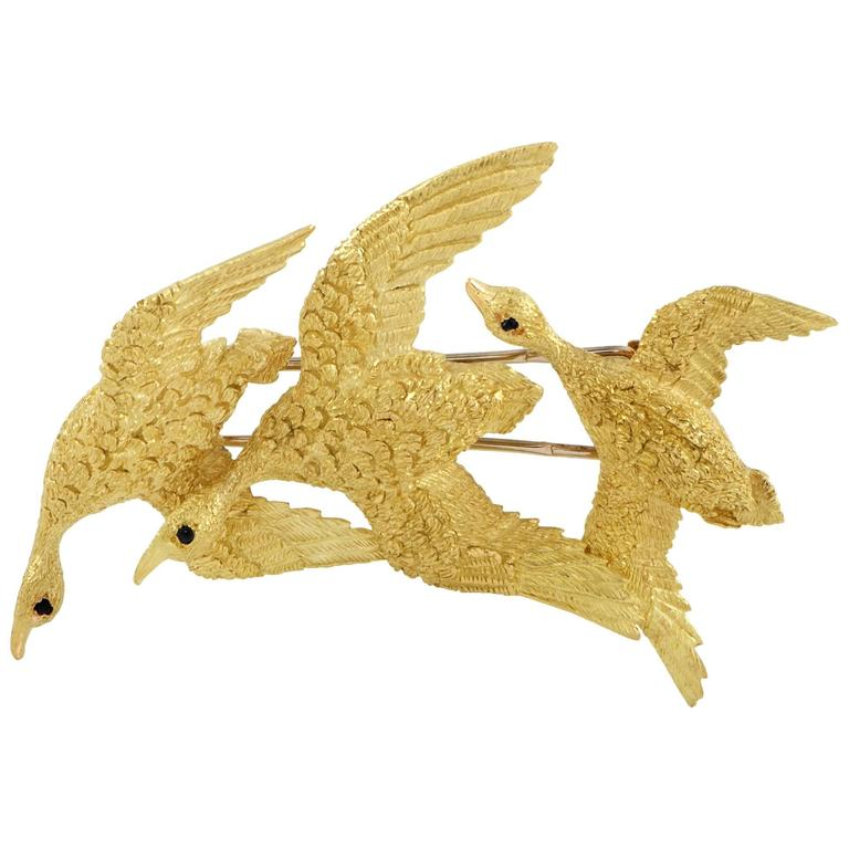 Hermes 1950s Sapphire and Yellow Gold Flock of Geese Brooch For Sale