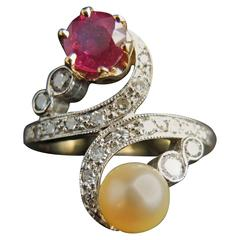Platinium Toi Et Moi Ring with Ruby Natural Pearl and Diamonds