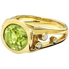 Cassandra Goad Manuela Peridot and Diamond Gold Ring